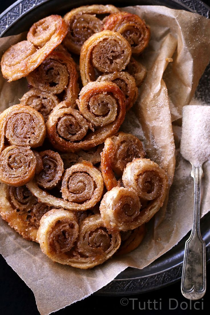 Chai Spice Palmiers - crisp caramelized cookies made with puff pastry, so simple and delicious!