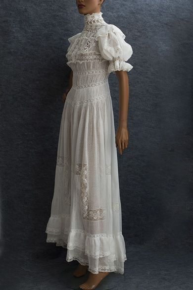 Edwardian Clothing at Vintage Textile: #2714 tea dress 1905