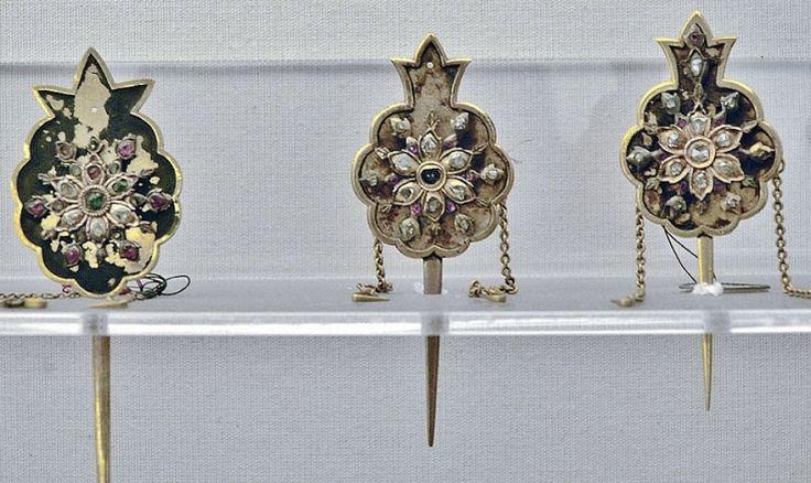 Turban ornaments.  Ottoman, 16th-17th c.Turkish & Islamic Arts Museum, Istanbul.