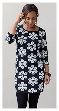 I want to make this right now! Love that daisy print.   free pattern JACKIE Dress | Nosh.fi ENGLISH