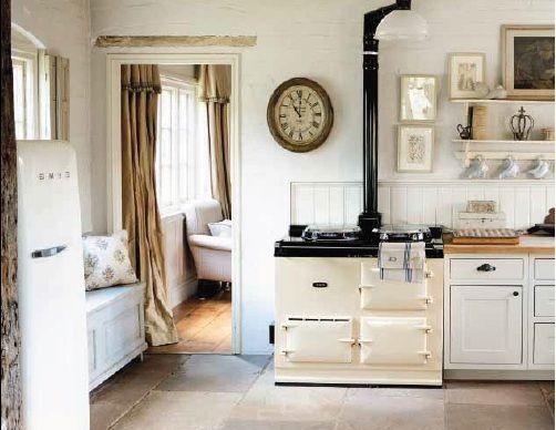 Io amo il mio lavoro....entrare nelle case ...proporle...renderle più accoglienti...       la casa è un luogo molto personale...è il pic...