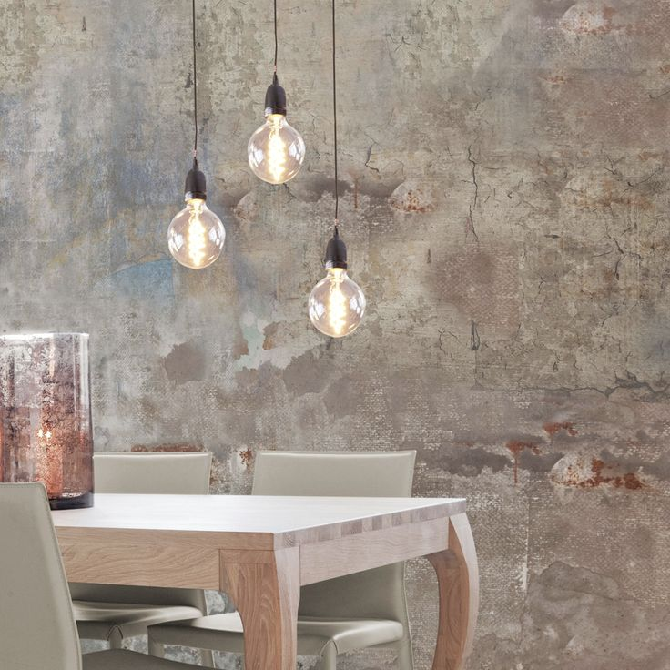 NUD Classic pendant over beautiful kitchen table.
