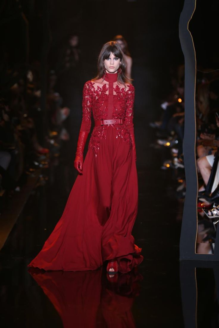 Elie Saab Fall-Winter 2015-16 Womenswear Collection -  - Read full story here: http://www.fashiontimes.it/galleria/elie-saab-fall-winter-2015-16-womenswear-collection/