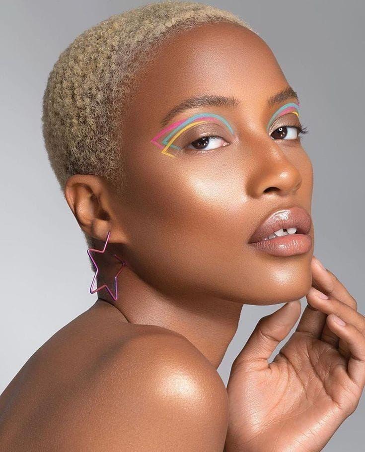 15 Estilos de delineado gráfico para realzar tu linda mirada What Is Makeup, Crazy Makeup, Glam Makeup, Makeup Art, Beauty Makeup, Cool Makeup, Makeup Trends, Makeup Inspo, Grafik Eyeliner