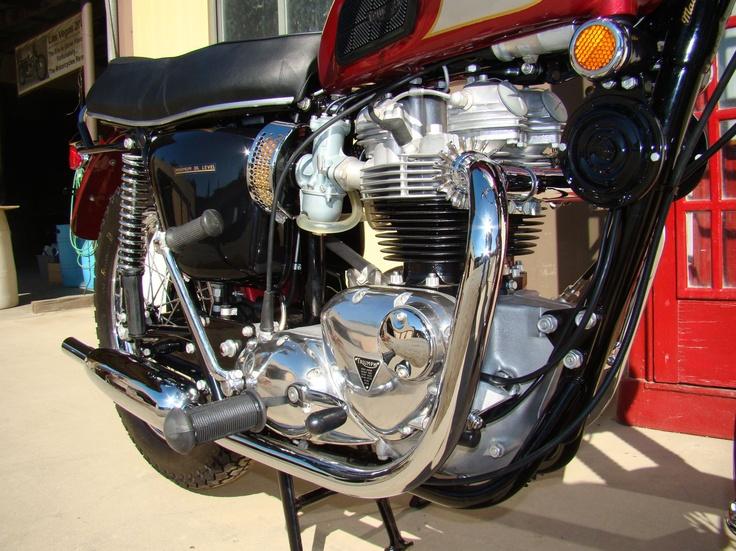 1970 Triumph Bonneville T120R - MidAmerica Auctions LAS13