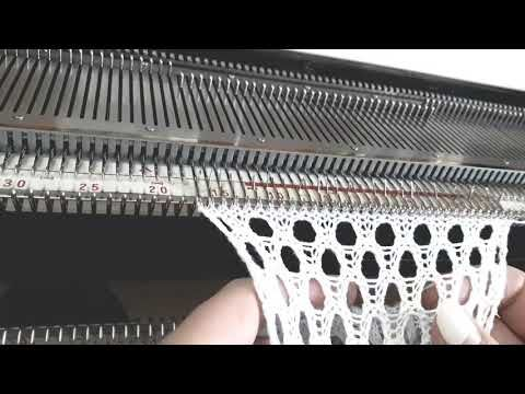 Вяжем крупную сетку - YouTube