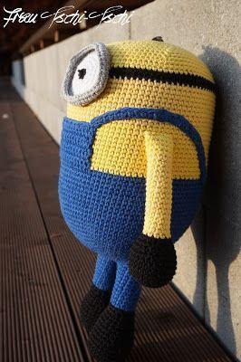 Deutsch Englisch Anleitung DIY selber machen Freebie Tutorial Craft Häkeln Häkelanleitung kostenlos gratis crochet pattern free Amigurumi Minion Minions