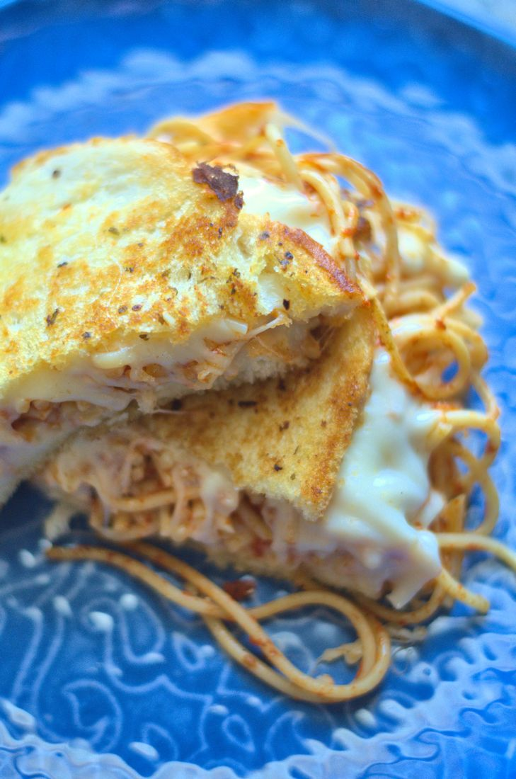 Garlic Bread Spaghetti Grilled Cheese sandwich that features spaghetti, garlic bread, mozzarella, and provolone cheese. #ad