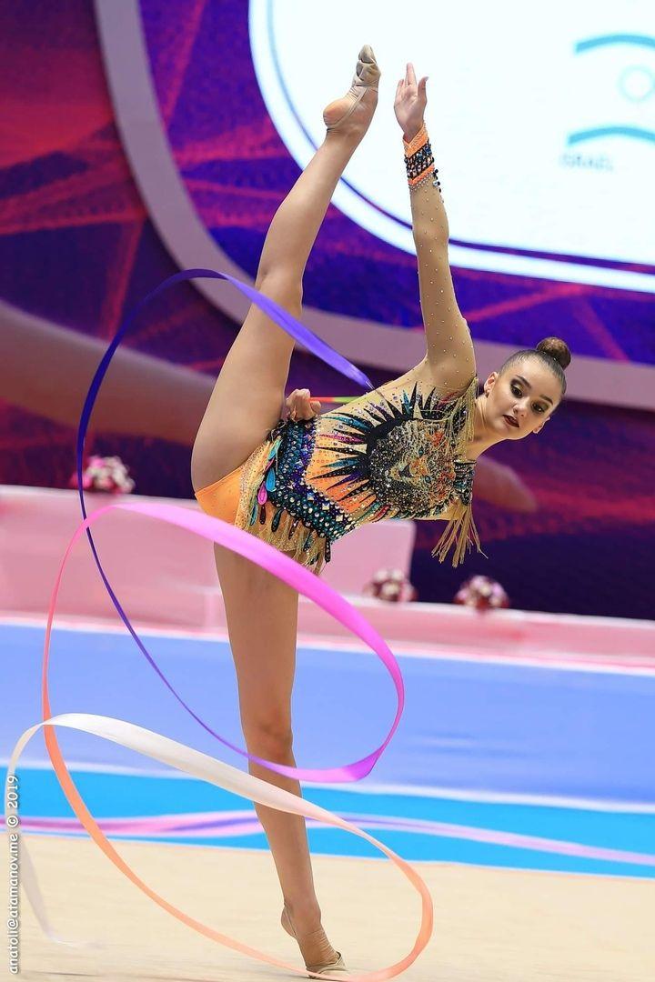 Resultado de imagem para alina harnasko ribbon 2019