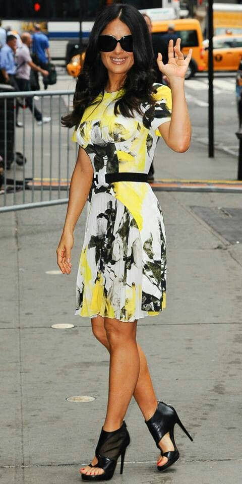 Petite Celebrity Style Bomb :: Salma Hayek