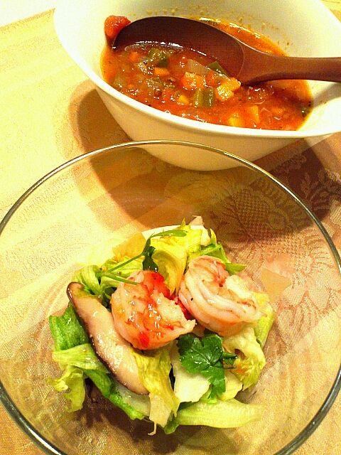 バゲットと合う♪  サラダはスイートチリソースで。 - 12件のもぐもぐ - レンズ豆のスープと、えび&生しいたけのサラダ by MakiHiro
