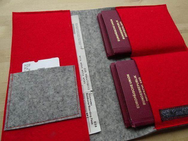 Nicht lange am Schalter kramen, in dieser Mappe finden alle wichtigen Reisedokumente für vier Familienmitglieder Platz. So ist alles schnell und übersichtlich griffbereit!   Der hübsche...