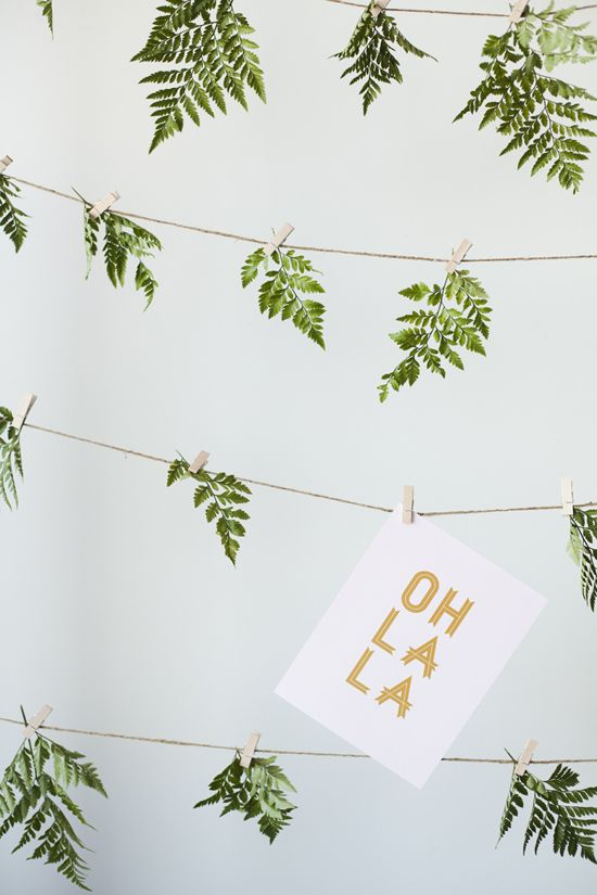 DIY fern garland- using actual plants. Cute idea for summer. Ferns are all over the place in Houston.