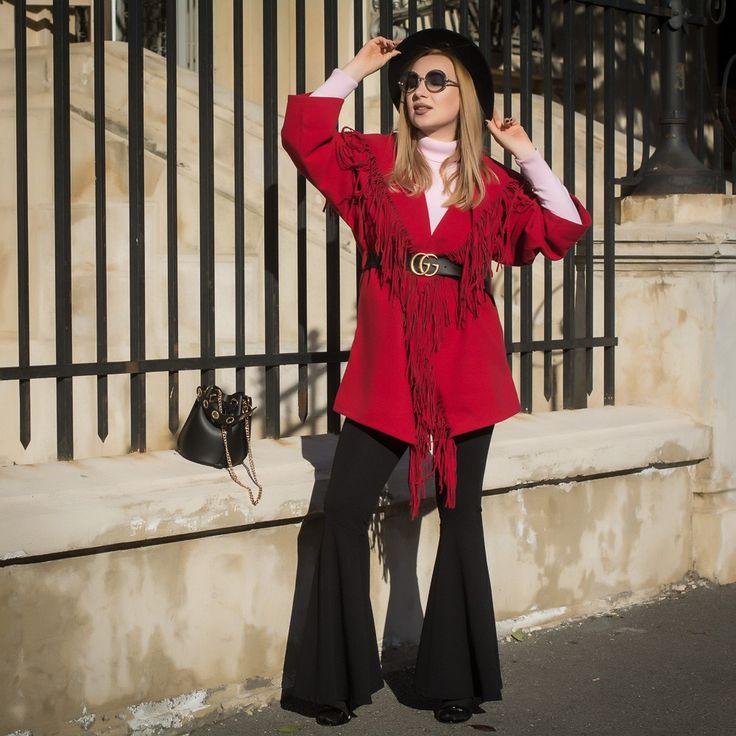Paltonul Rosu Red Coat with Fringe