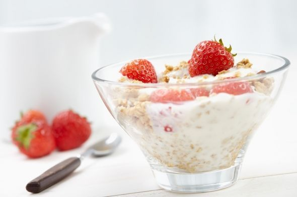 gluten free muesli with yoghurt & fresh strawberries