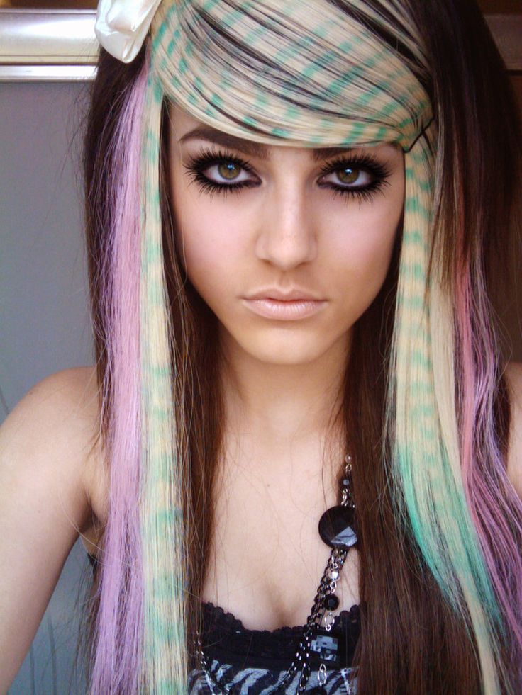 Scene Hairstyles for Girls | ... styles look really similar. Here is a look at Emo versus Scene style