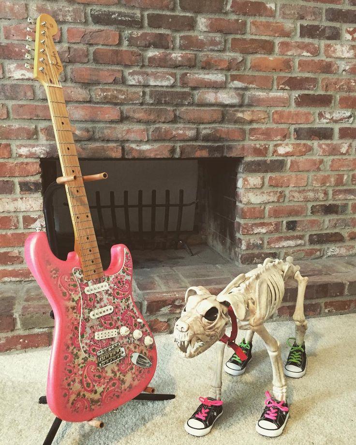 Guitar 2: Fender - Made in Japan - Stratocaster #Pophorror #poppunk #goth #punk #punkrock #fender #squier #strat #stratocaster #guitar #electricguitar #powerchord #horror #horrornerd #halloween #dog #skeleton #zombie #monster #practicaleffects #woof #beyourself #tmnt #converse #japan #japanese #pink #pinkguitar