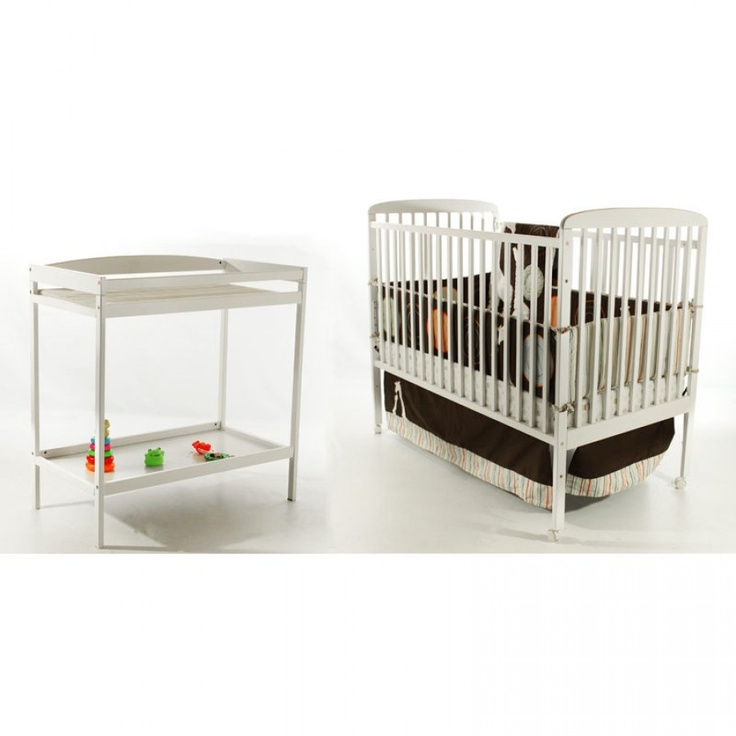 Dream On Me 2-in-1 Full Size Crib and Changing Table Combo in White - 678-W