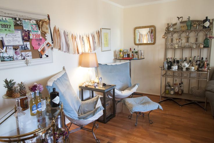 See how this pretty lady turned her studio apartment into for Bachelorette apartment