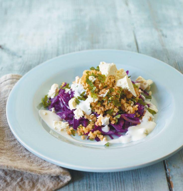 Von wegen nur ein Salat: dank Bulgur, Feta und Joghurt ein herrlicher Sattmacher de luxe!