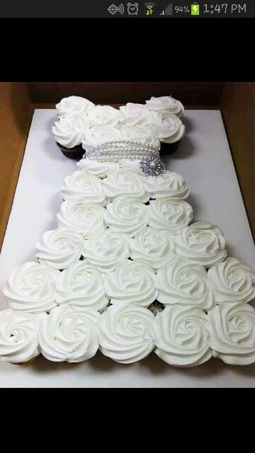 This is a gorgeous cupcake wedding dress cake!! Kandice West is going to do this for Connie's shower