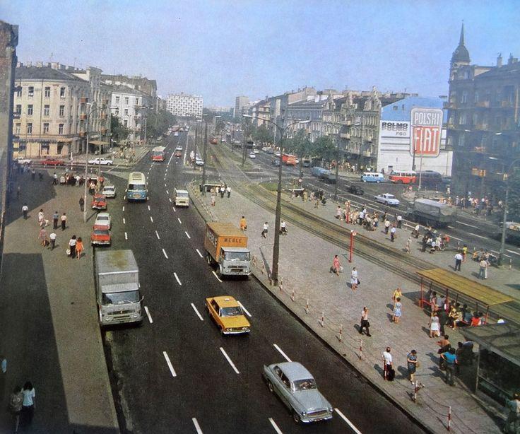 Ulica Targowa w latach 70. https://web.facebook.com/WjakWarsz