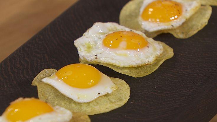 Receta de chips de patata con huevos de codorniz