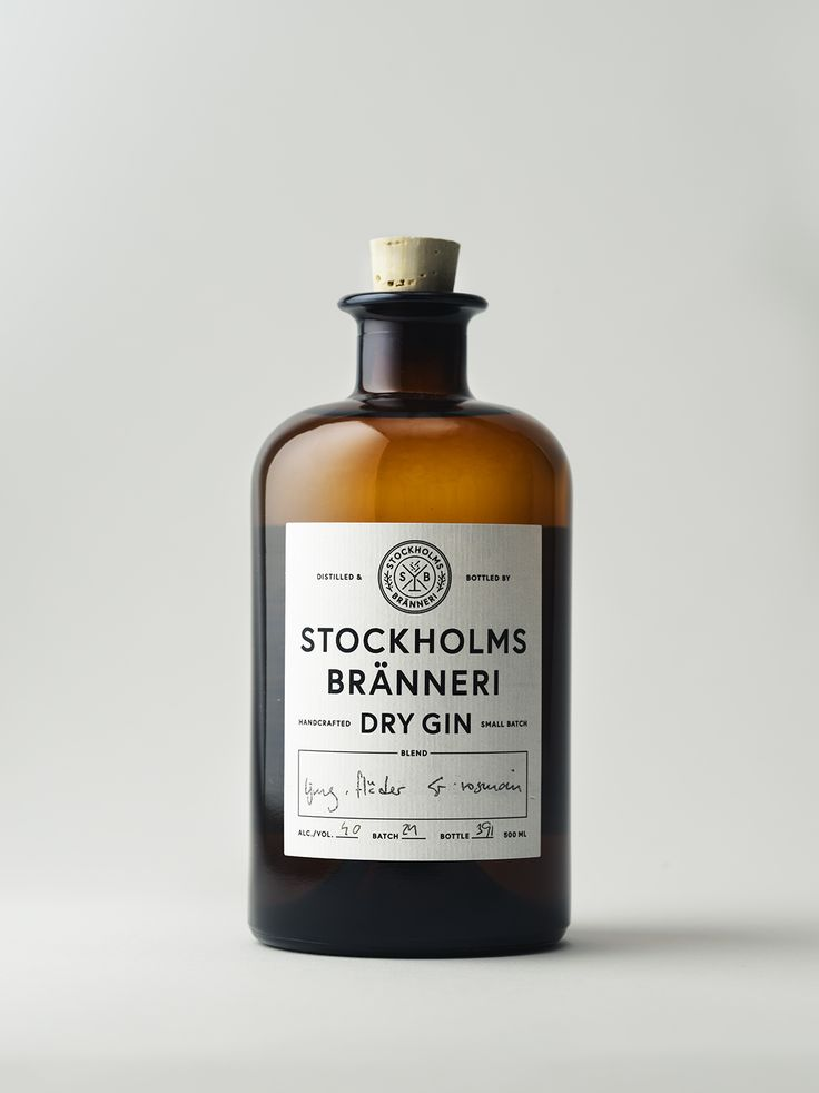 Stockholms bränneri Dry Gin • Packaging design minimalism