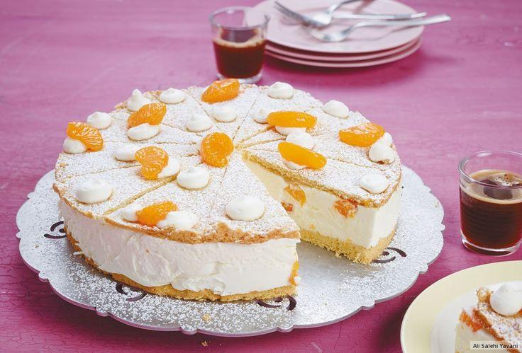 Wir haben den Traum in Weiß neu aufgelegt: Genießen Sie üppige Mandarinen-Quark-Sahne zwischen saftigen Rührteigböden mit geschlossenen Augen - und heben Sie ab!