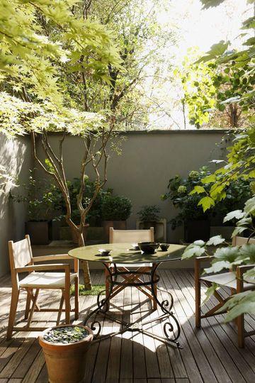 Echappée verte en plein coeur de Paris grâce à cette petite terrasse à l'abri des regards