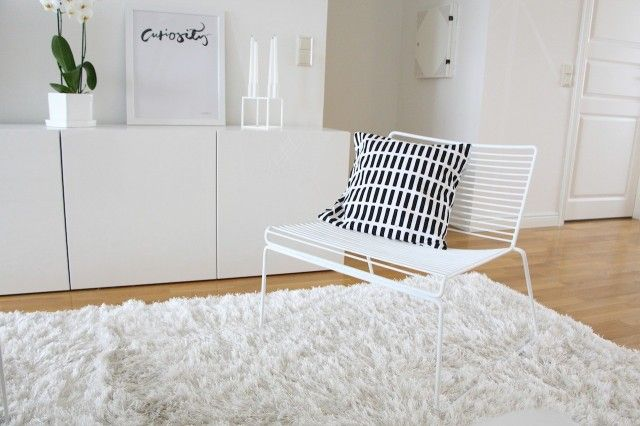 I painted my Hay Hee Lounge chair white. Perfect makeover. <3