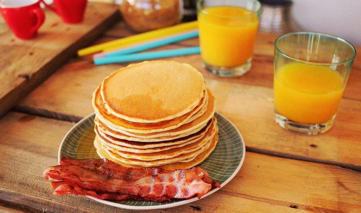 Mindannyian megtanultuk, hogy a reggeli a nap legfontosabb étkezése. Mutatunk is három gyors és mégis igencsak finom receptet, amikkel jól fog indulni a nap. Egy villám guacamoléval és sok sajttal megtöltött tortillát, egy meglepően finom banános palacsintát és a klasszikus Monte Cristo…