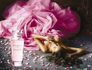 Rose Absolue de la Yves Rocher (2006) nu este doar parfumul meu favorit de la Yves Rocher ci si unul din parfumurile mele de suflet. Yves Rochereste cea mai vanduta companie franceza de cosmetice si a lansat de-a lungul timpului multe parfumuri iubite de public. LiniaSecrets d'Essencesde