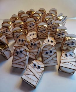 Halloween Treats for Peeps - Mummy treat boxes by Kadie Labadie