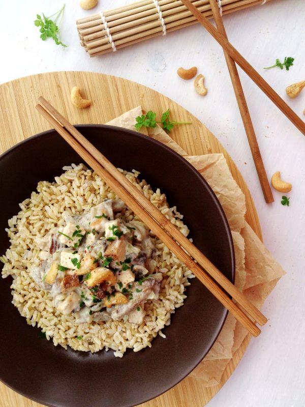 Mijoté de tofu fumé aux noix de cajou et champignons