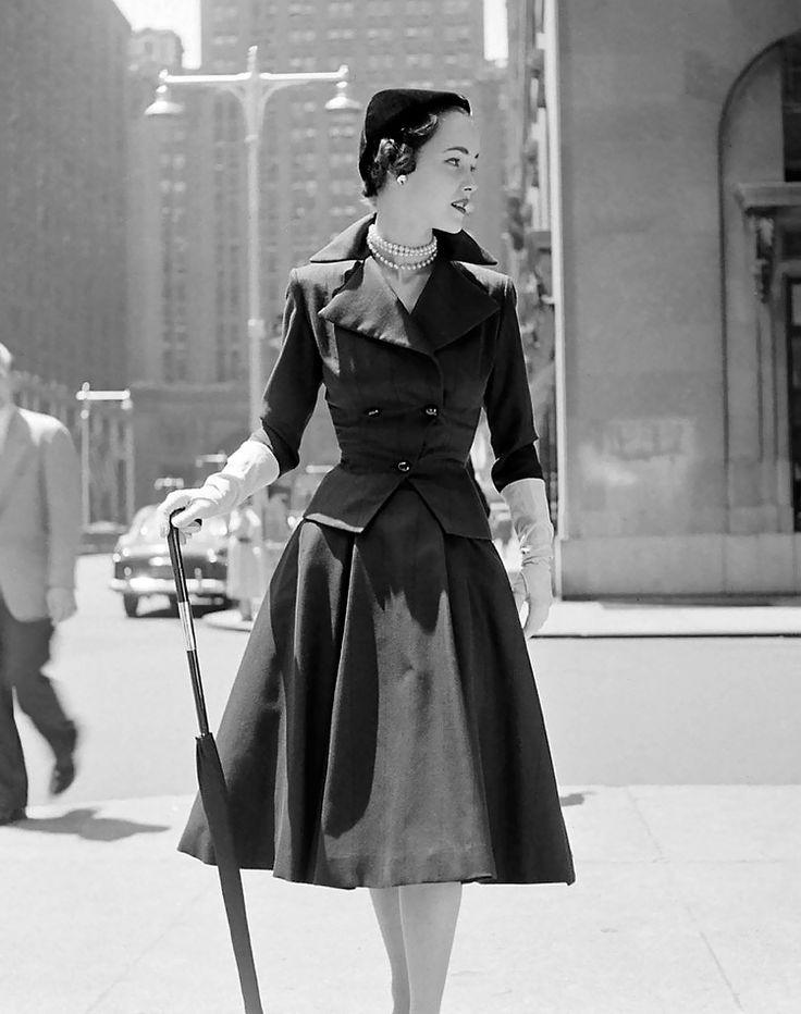 City fashions; photo by Nina Leen, 1951