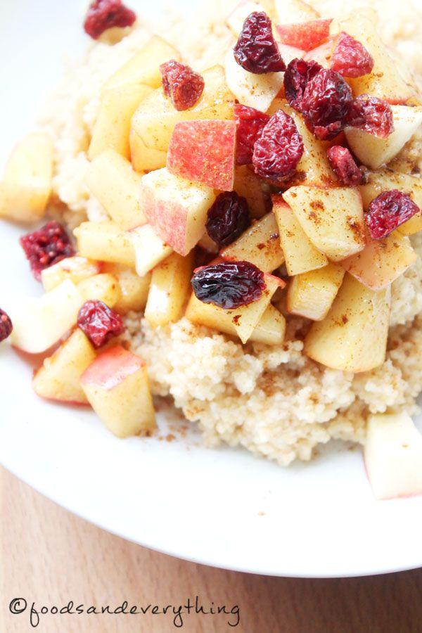 Süßer Couscous zum Frühstück. Mit Cranberries, Äpfeln & Zimt (foodsandeverything, vegan)