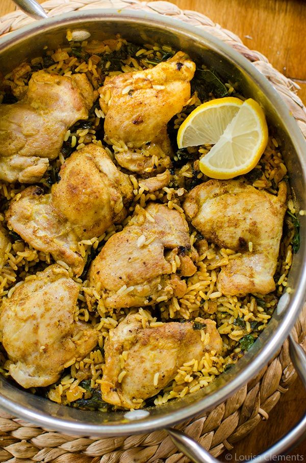 Get dinner on the table quickly with this one-pot recipe for curried chicken and rice with kale.   livinglou.com