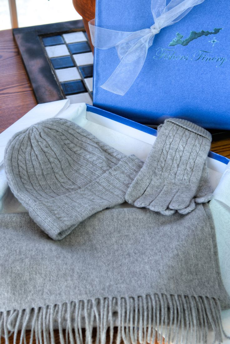 Fishers Finery 100 % Pure Cashmere Hat, Gloves, Scarf Gift Set