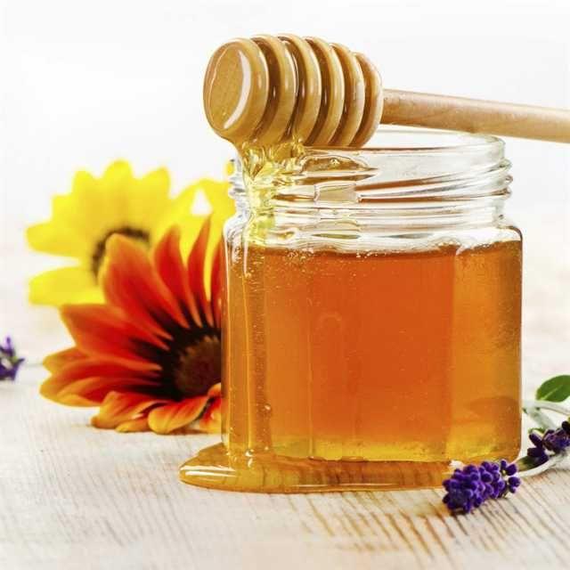 Ge ditt hår en billig och naturlig mirakelkur med honung