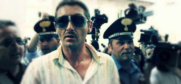 Lo scorso 26 ottobre, a Teramo, Salvatore Parolisi è stato condannato all'ergastolo   http://tuttacronaca.wordpress.com/2013/09/05/parolisi-chiede-di-aprire-laula-per-il-processo-dappello/