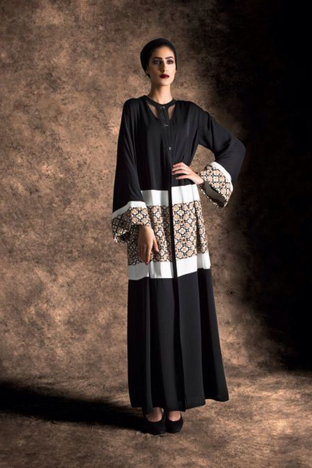 Abaya with a middle printed fabric