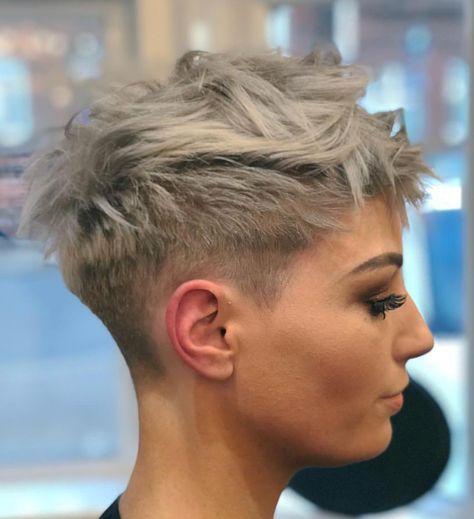 Stilvolle Pixie Haarschnitt für Frauen, Kurze Fri…