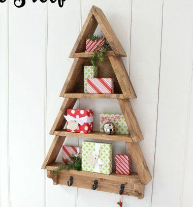 DIY Christmas tree shelf // Fenyőfa alakú fali polc fából // Mindy - craft & DIY tutorial collection