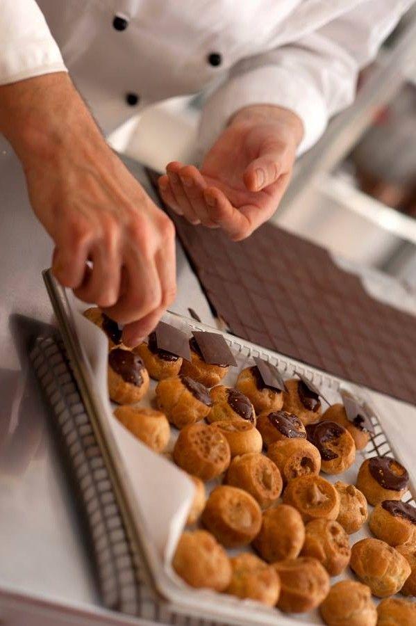 Pastry Chef Antonino Maresca (il Mosaico di Ischia, chef Nino Di Costanzo 2 stelle Michelin) saturday 30 november 2013.