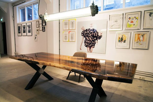 Vanouds Amsterdam – Walnut Wood and Epoxy Tables