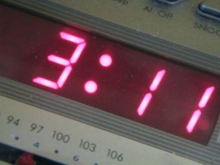 Avoir une horloge pour un projet peut parfois rendre de grands services : alarmes, horodatage, heure courante, ... Apprenez à dompter la puce RTC !