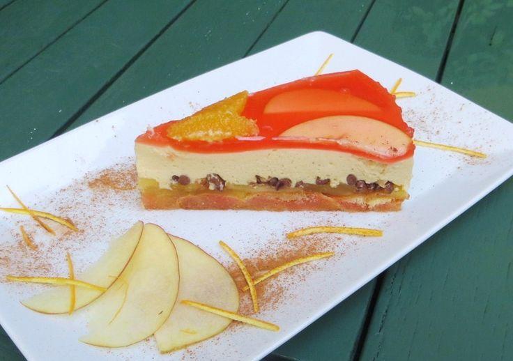 Una torta realizzabile senza l'uso del forno, composta da una base di savoiardi bagnati in succo d'arancia, un leggero strato di mele aromatizzato alla scorza d'arancia, una cremaal mascarpone e cannella e una copertura di gelatina di arancia, fettine di mela e spicchi di arancia pelati al vivo. Se poi volete rimanere sul classico potete […]