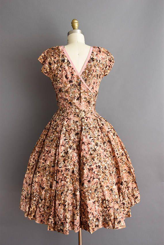 21447d58eef2a Gorgeous vintage 1950s floral print dress. Gorgeous vintage 1950s floral  print dress Full Circle Skirts ...