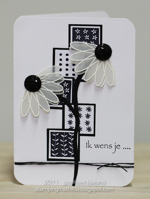 Stampingmathilda black white 77 what a fun use of black buttons and white lace